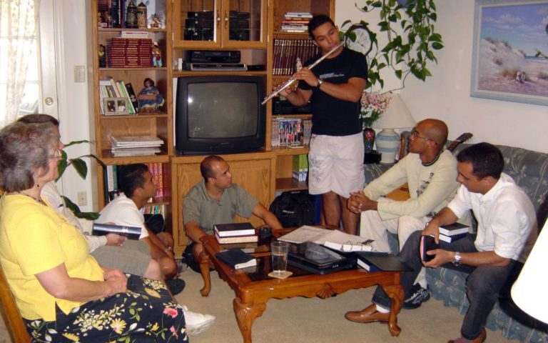 ministry in homes people worhipping